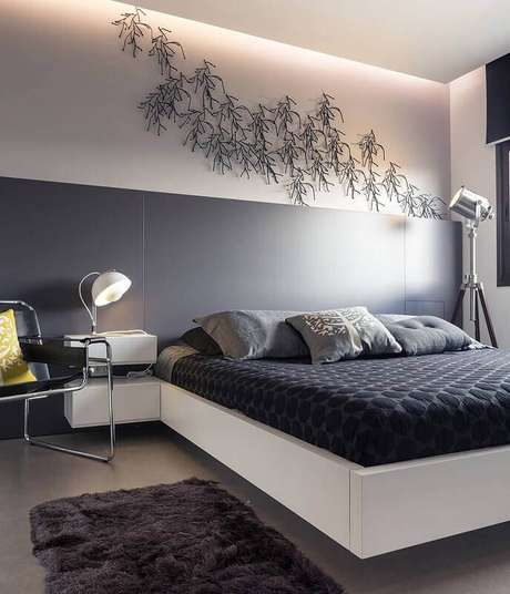 45. Tapete felpudo cinza para quarto de casal moderno – Foto: Casa de Valentina