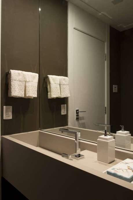 2. Uma boa toalha de lavabo faz toda a diferença. Projeto de Cristina Lembi