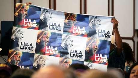 Ex-presidente diz que pauta do 'Lula Livre' continua impulsionada pois o PT acredita na sua inocência