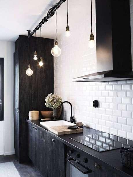 9.Os azulejos para cozinha em tons claros pode ajudar a deixar o local mais iluminado.
