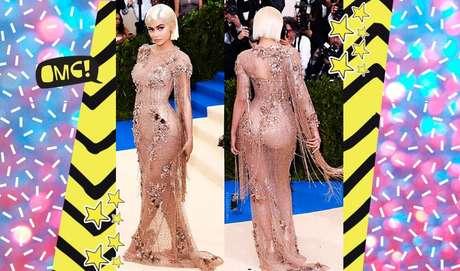 Nos red carpets, a gata adora uma ousadia! O vestido longo nude ressaltou as curvas da modelo e é ótimo para quem gosta de vestidos justinhos.