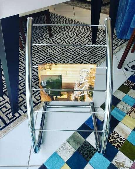 4. O revisteiro cromado é o modelo mais durável do mercado. Foto: Bella Casa Moda e Decorações