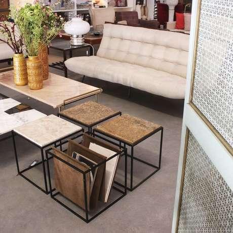 11. Alguns modelos de revisteiro são associados a outros móveis. Foto: Loja Teo