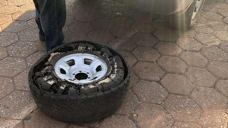 Condições nas regiões de incêndio têm feito pneus estourarem por causa do calor