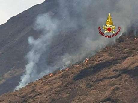 Stromboli entra em alerta após novas erupções de vulcão