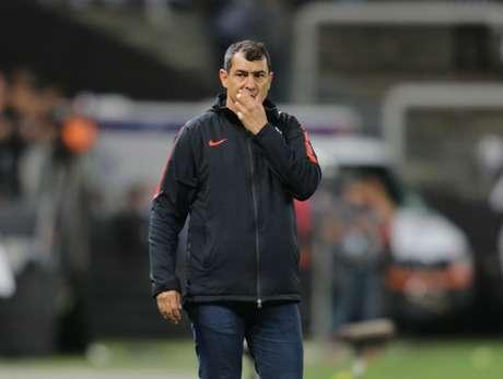 O técnico Fábio Carille, do Corinthians, na partida contra o Fluminense, válida pelas quartas de final da Copa Sul-Americana, na Arena Corinthians