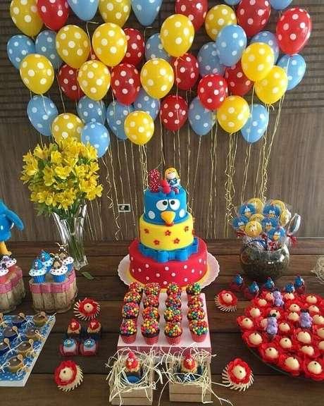 8. Os detalhes podem fazer toda a diferença na decoração de festa infantil da Galinha Pintadinha – Foto: Você Faz a Festa