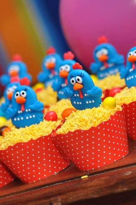 21. Cupcakes personalizados com bonequinhos da Galinha Pintadinha – Foto: Webcomunica