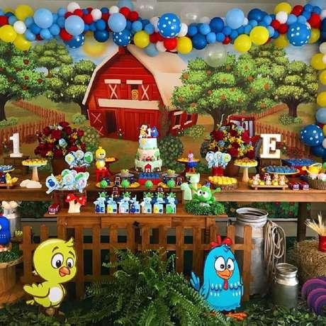 32. Linda decoração para festa de aniversário da Galinha Pintadinha – Foto: Camila Muzy Regly Festas Personalizadas