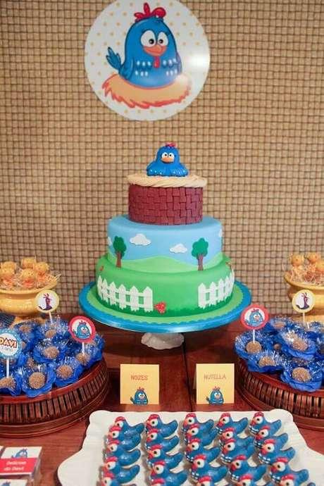 39. Decoração de festa simples da Galinha Pintadinha – Foto: Assetproject