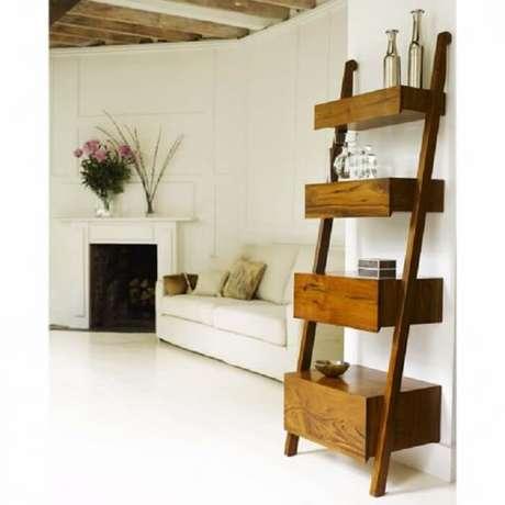 62. Estante de madeira para sala de estar. Fonte Pinterest