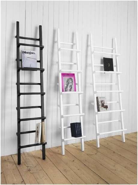 53. Estante escada utilizada como revisteiro. Fonte: Pinterest