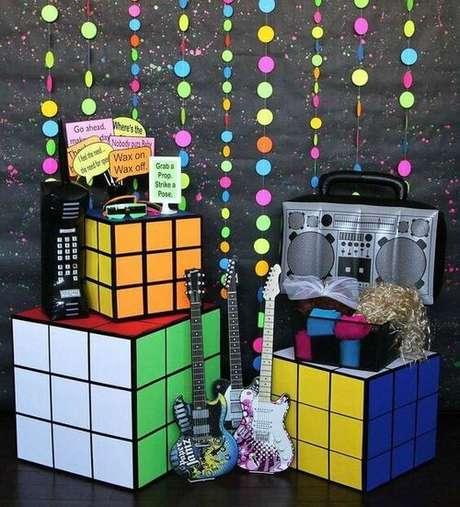 1. A festa anos 80 é muito divertida. Foto: Catch My Party