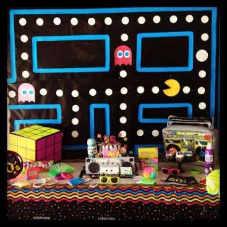 13. O jogo Pac Man é muito interessante e representa bem uma festa anos 80. Foto: Mamãe Fazendo Festa