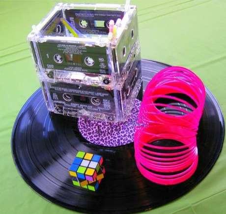 3. Produtos da época são muito usados em uma festa anos 80. Foto: Pinterest