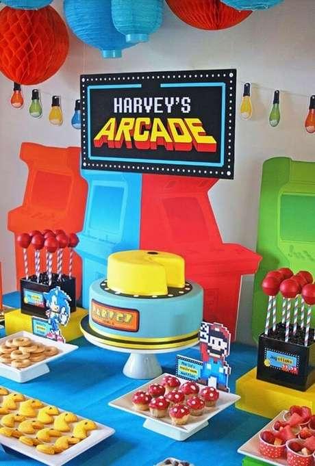 16. Os videogames são ótimos para a decoração de uma festa anos 80. Foto: De Volta ao Retrô