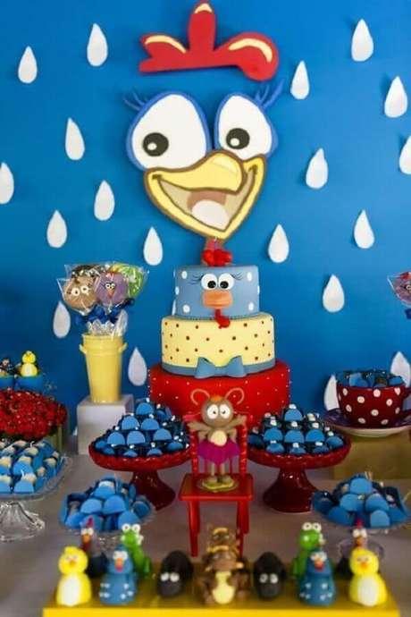 51. Festa de aniversário da Galinha Pintadinha com decoração simples – Foto: Artesanato Total