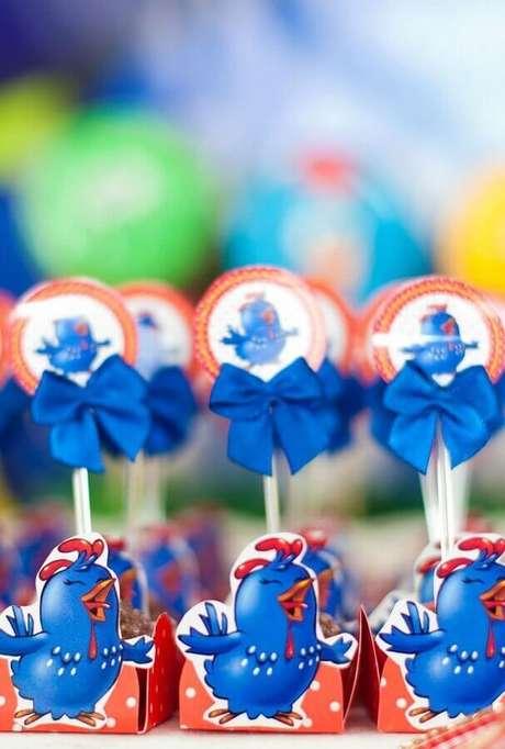 52. Ideias de decoração para docinhos de festa de aniversário da Galinha Pintadinha – Foto: Pinterest