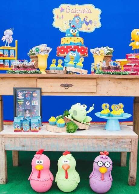 54. Festa infantil da Galnha Pintadinha simples – Foto: Assetproject