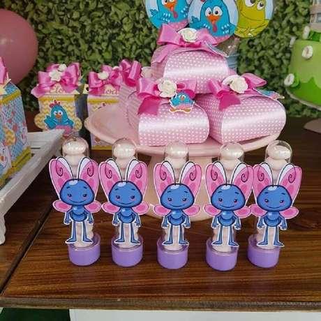 64. Docinhos para decoração de festa da Galinha Pintadinha rosa – Foto: Pinterest