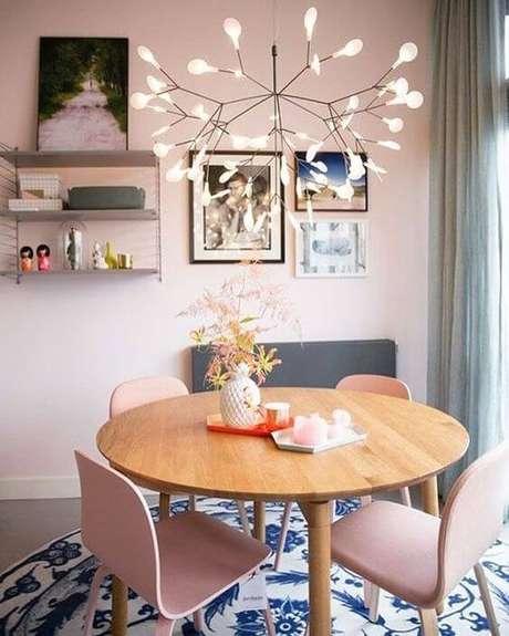 19. Lustre aramado diferente na mesa de jantar – Por: Casa Vogue