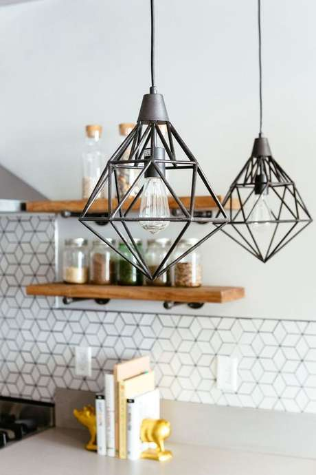 34. Pendente cinza para cozinha moderna – Por: Pinterest