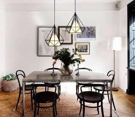 41. O formato diamante é lindo para a mesa de jantar – Por: Pinterest