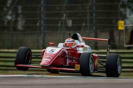 Gianluca Petecof sobe mais uma vez ao pódio no Italiano de Fórmula 4 em Ímola