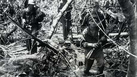 Pesquisa sobre militares foi posteriormente contestada, mas embasou mudanças no treinamento militar; acima, soldados americanos na Segunda Guerra Mundial