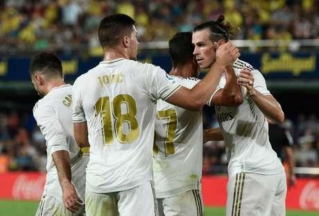Bale marcou duas vezes e levou um cartão vermelho no fim (Foto: JOSEP LAGO/AFP)
