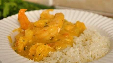 Bobó de camarão e arroz branco