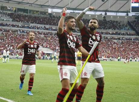 De Arrascaeta, do Flamengo, comemora após marcar gol na partida contra o Palmeiras válida pela 17ª rodada do Campeonato Brasileiro 2019, no Estádio do Maracanã, na zona norte do Rio de Janeiro, na tarde deste domingo (1º)