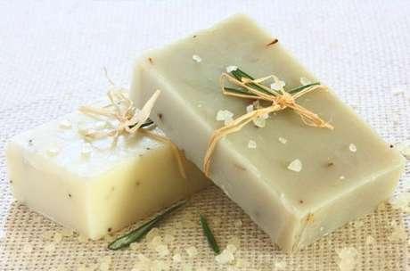 8. Como fazer sabonete artesanal com manteiga de karité – Por: Pinterest