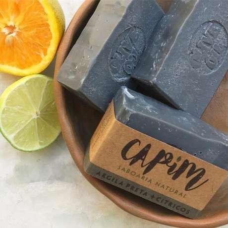 10. Utilize componentes como argila preta e limão para aprender como fazer sabonete artesanal – Por: Pinterest