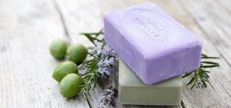 15. Como fazer sabonete artesanal lilás e verde – Por: Pinterest