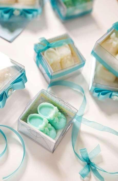 3. Como fazer sabonete artesanal para chá de bebê – Por: Pinterest