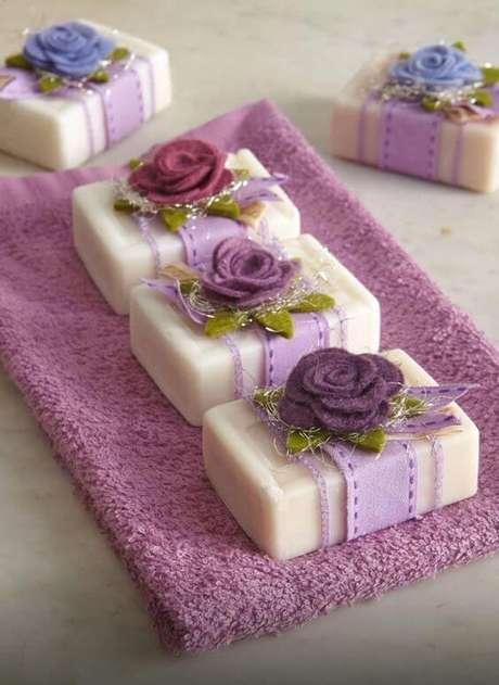 22. Como fazer sabonete artesanal – Por: Pinterest