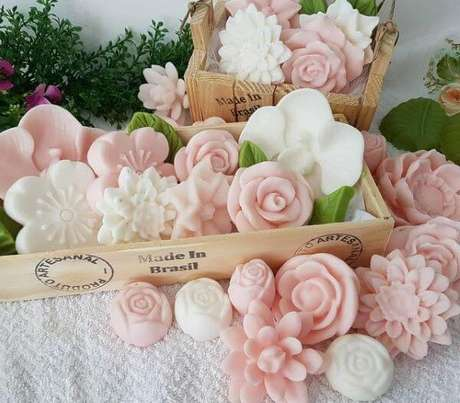 25. Faça diferentes formatos de como fazer sabonete artesanal – Por: Zank You