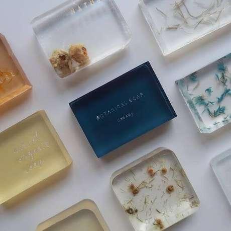 36. Como fazer sabonete artesanal com diferentes ingredientes – Por: Pinterset