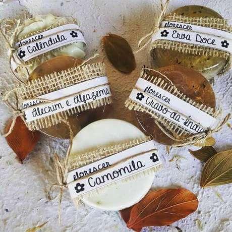 39. Faça os sabonetes mais adequados para o seu tipo de pele, aprenda como fazer sabonetes artesanais – Por: Pinterest
