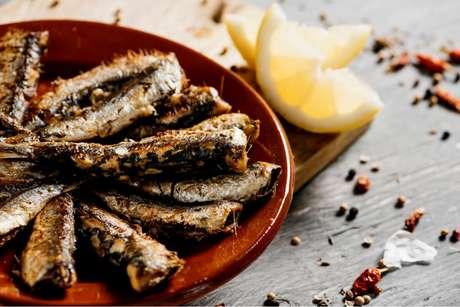 Como limpar sardinha: veja as dicas e uma receita deliciosa do TudoGostoso