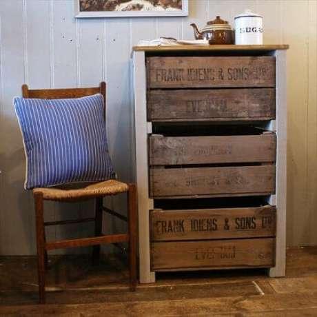 45.Decoração com caixotes de madeira como gavetas. Foto de Pinterest