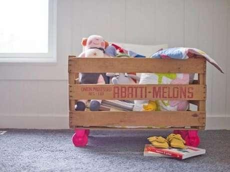 14. Seja no quarto infantil ou no de adultos,a decoração comcaixotes de madeira é normalmente é montada para auxiliar na organização. Foto de HGTV