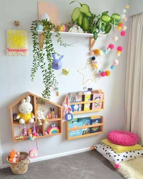 20. Que tal a estante para quarto infantil montessoriana? – Por: Between the lines