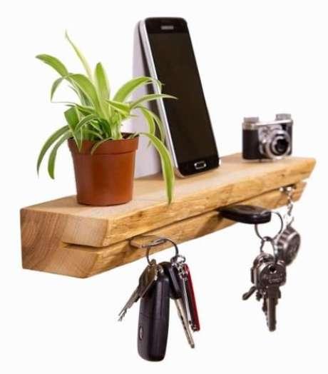 3. A madeira é o material mais utilizado no porta chaves. Foto: Mercado Livre