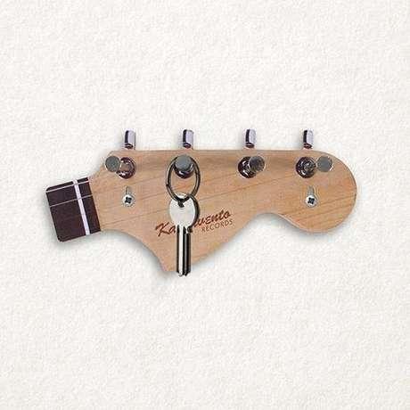 20. Este modelo de porta chaves é divertido e muito criativo. Foto: Compre Dicas