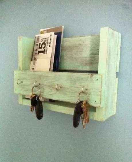 37. Um simples caixote de feira também pode dar um ótimo porta chaves. Foto: Mercado Livre