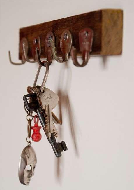 40. O porta chaves faz toda a diferença em uma casa. Foto: Jóia de Casa