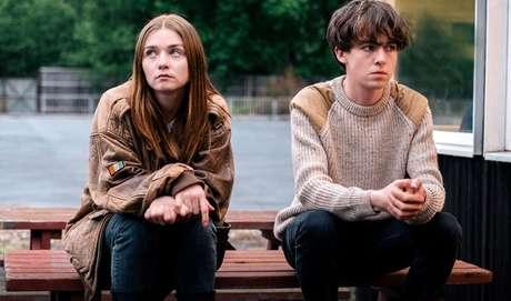 The End Of The F***ing World:  Série novinha pra maratonar! James (Alex Lawther) ainda não sabe, mas está prestes a mudar de vida com a chegada de uma garota nova no seu colégio. Assim como ele, a novata Alyssa (Jessica Barden) também tem problemas em se relacionar com outras pessoas e se vira muito melhor sozinha. Aos olhos alheios, são apenas dois adolescentes estranhos, para eles, trata-se da parceria perfeita