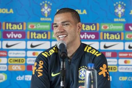 Ederson durante a coletiva da Seleção Brasileira (Foto: Lucas Figueiredo/CBF)